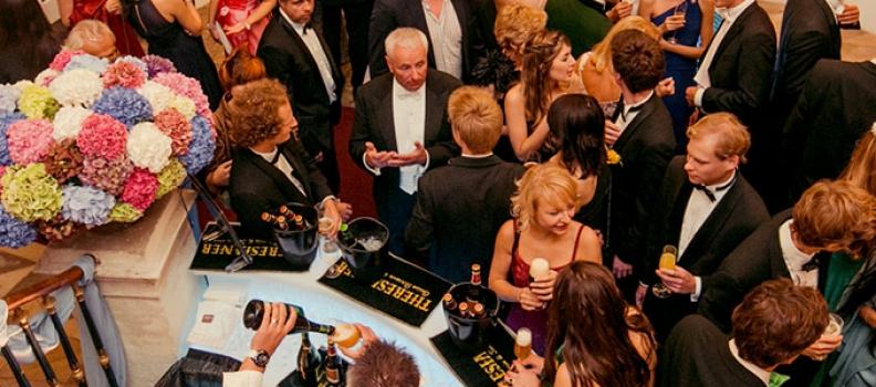 La Famiglia di Martino Zanetti con caffè Hausbrandt e birra Theresianer a Vienna per un evento esclusivo: il 116° Theresianisten-Picknick.